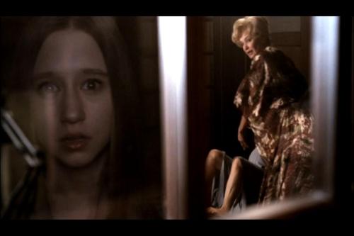 Taissa-Farmiga-Jessica-Lange-American-Horror-Story-Birth